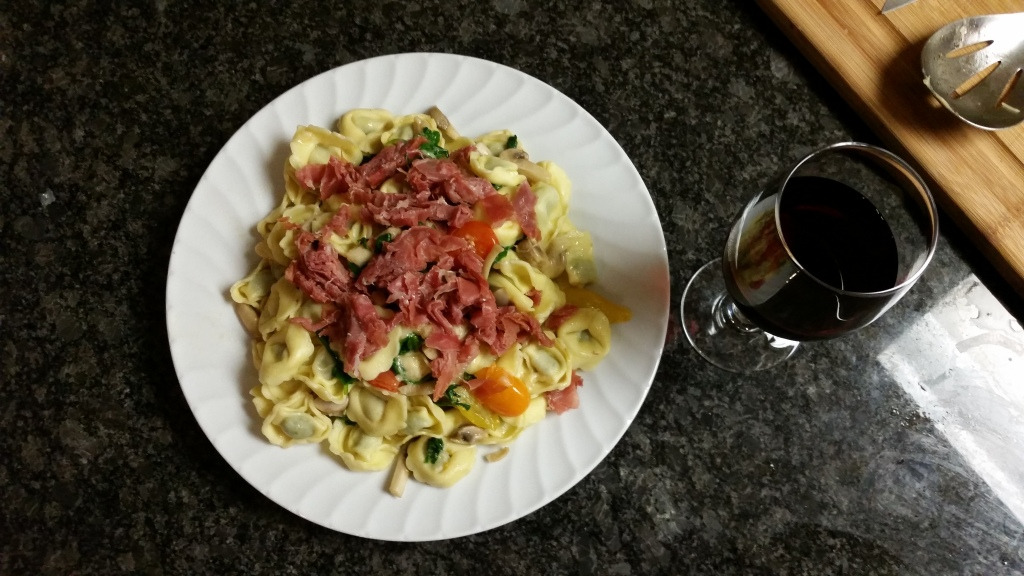 Tortellini with prosciutto