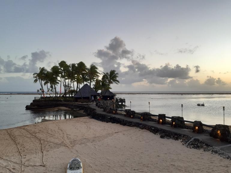 Warwick Fiji seafood restaurant