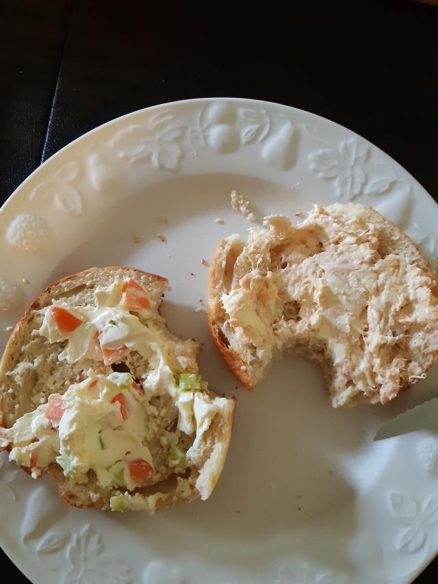 salmon veggie cream cheese