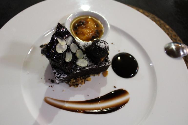 Waidroka dessert Manasa