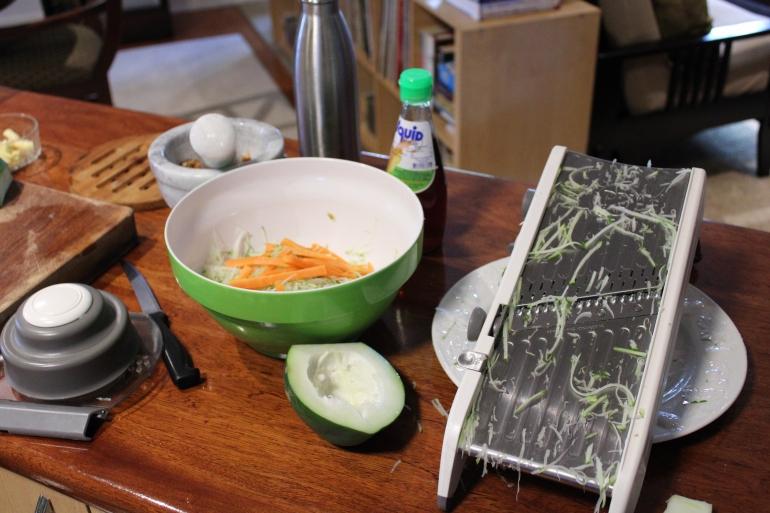 green papaya salad prep